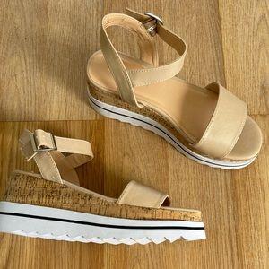 Madden girl platform sandles